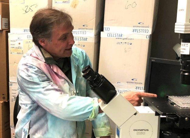 Dr. Geoffrey Clark