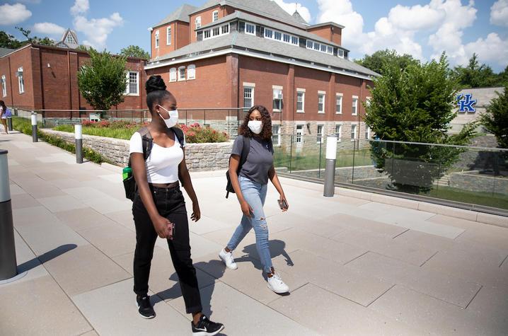 students face masks