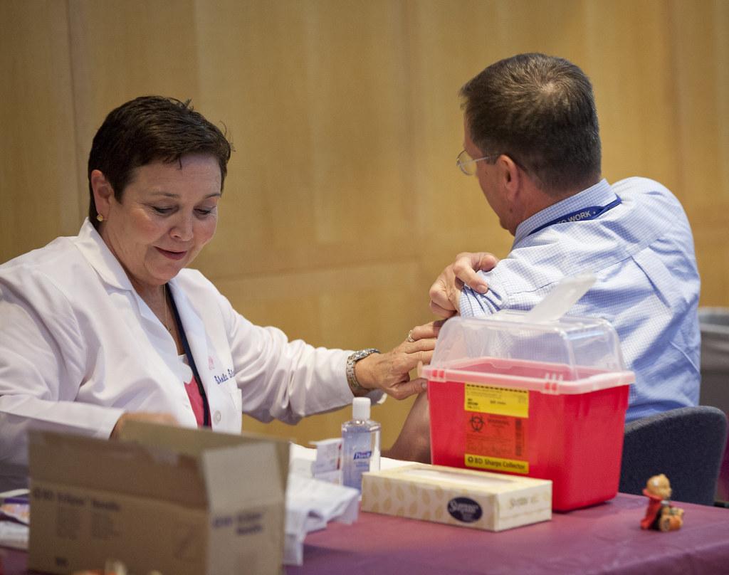 NRC Employee Flu Shots 2012   An NRC Health Clinic nurse vac…   Flickr