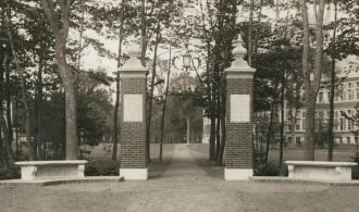 Warren Eastman Robinson Memorial Gateway