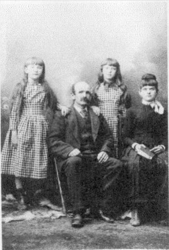 Winfield Scott Taylor and daughters