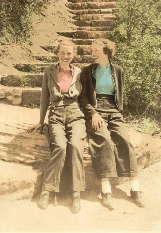 Sisters Madelyn and Rachel Kerr, ca 1932
