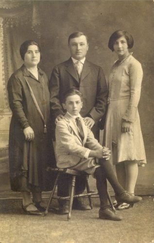 Joseph Cartisano & Family, New York 1924