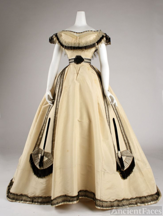 House of Worth gown, 1860's