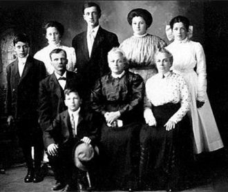 Frank & Arline Carrier Family, Minnesota 1910