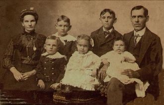 Perry & Maggie Layman Family, IN 1905