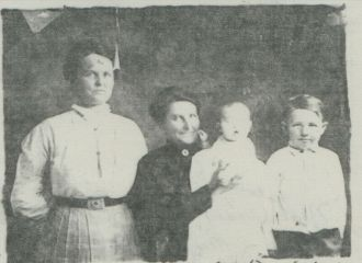 Rose Halling and Children, 1912