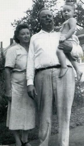 Elmer and Lula Brockman with grandson Kelly