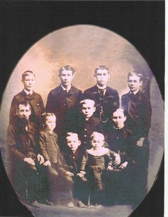 Leroy Carl & Margaret Michael's Family in 1890