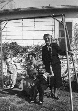 Mildred Kroetsch, Aunt Margaret, Kroetch children