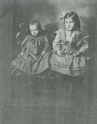 George and Fern (Brown) Halling Family 1906