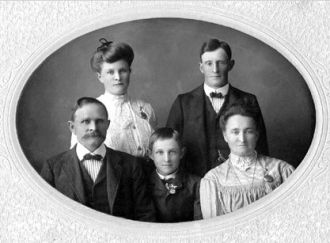 August & Louise (Link) Hafften Family, MN 1899