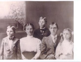 Charlie Lester, wife Ida with first three children