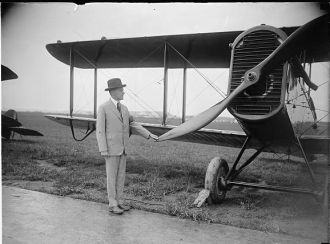 Coolidge inspecting world flight plane at Bowling [i.e.,...
