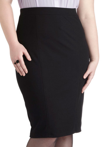 Style Essential Skirt in Black