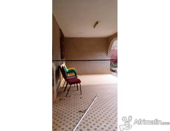 Une belle villa de 2 chambres salon à louer à karpala