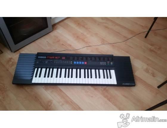 Piano YAMAHA PSR27