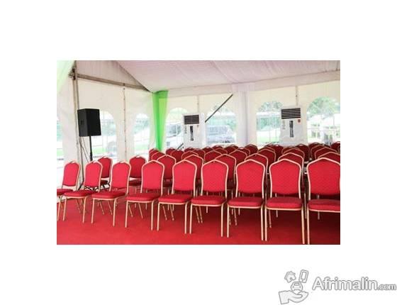 vente de chaises VIP neuve; PLASTIQUE de très bonne qualité