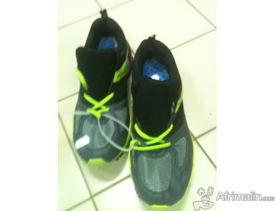 Chaussure de sport Perforée Gris
