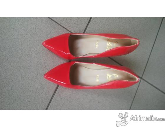 grossiste db037 7fd17 Chaussures Louboutin a vendre - Douala, Région de Littoral ...
