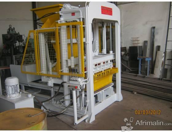 Machine de blocs béton