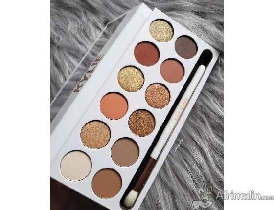 Palette ombre à paupière, disponible chez Mod'Elle by lulu.contact:+22965973973