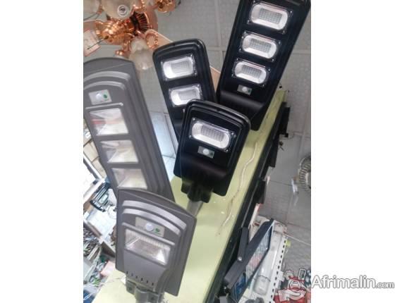 LAMPADAIRES SOLAIRES A BAS PRIX JUSQU'AU 28/12/19