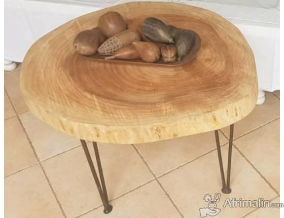 Table basse en bois fait au Bénin