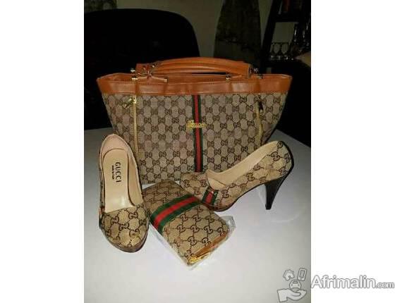 Sacs a main et chaussures femme en vente