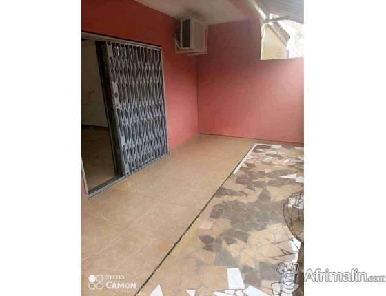 3 pièces haut standing à louer à la Riviera Bonoumin non loin d'Abidjan Mail
