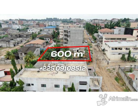 VENTE Terrain ACD 600m² clôturé Riviera Triangle  à L'angle de 2 rues