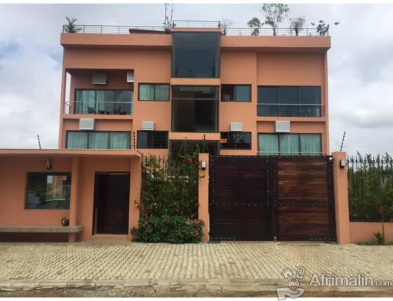 appartement haut standing 3 pi ces a louer riviera 3 abidjan r gion d 39 abidjan c te d 39 ivoire. Black Bedroom Furniture Sets. Home Design Ideas
