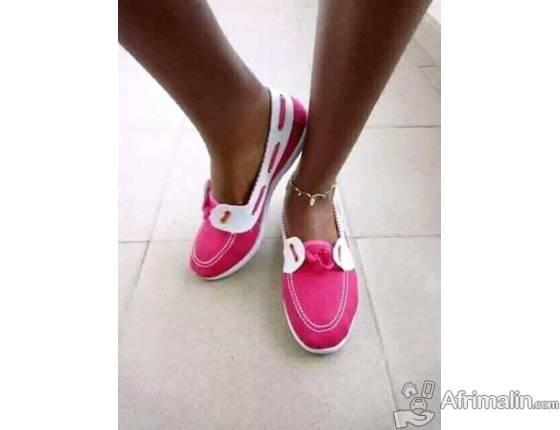 belles paires de chaussures.