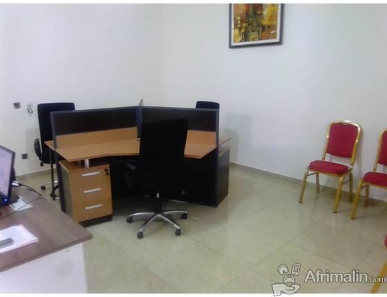 vend meubles de bureau, chaises , bureau secrétariat de seconde main