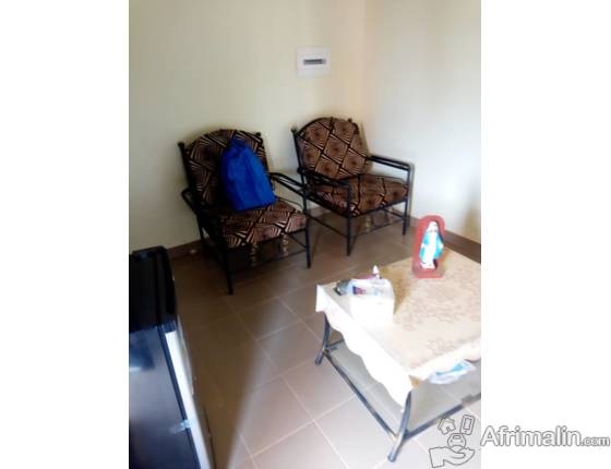 Un appartement de 2 chambres salon climatisés et meublés à louer à Ouaga 2000.