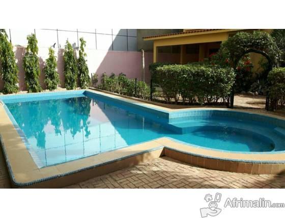 A louer pour usage bureau ou habitation une villa bamako région