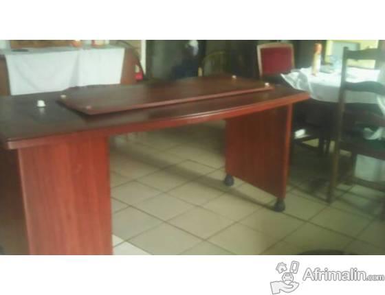 Table de bureau yaoundé région du centre cameroun meubles sur