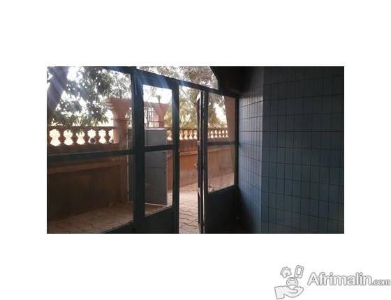 Maison 2 Chambres Salon A Louer A La Zone 1 Ouagadougou Region Du Centre Burkina Faso Maisons Villas Sur Afrimalin