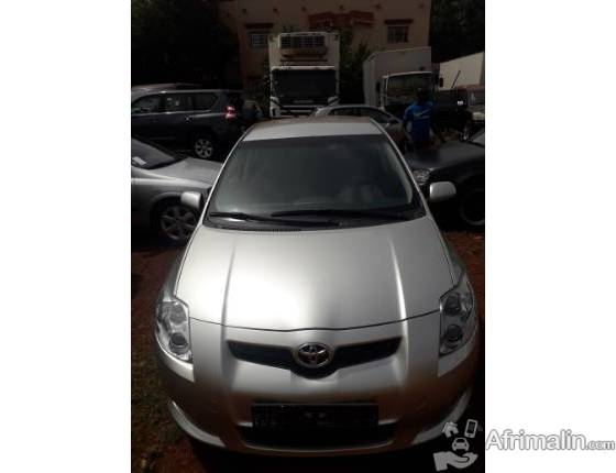 TOYOTA AURIS /ESSENCE