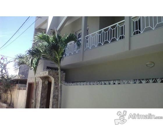 Villa R+1 à louer Sicap Mermoz