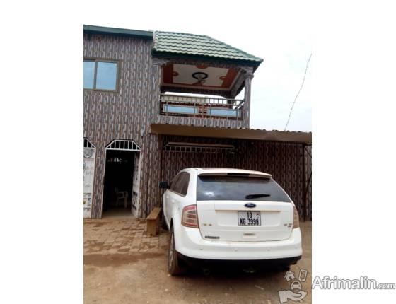 Une villa de 4 chambres salon en R+1 à louer à PISSY /  BONAAM