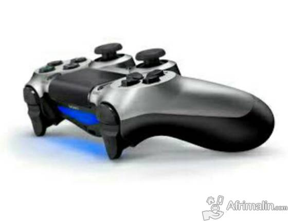 Manette ps4 a vendre pas ch re dakar r gion de dakar s n gal consoles jeux vid os sur - Console de jeux a vendre ...