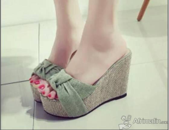 Chaussure compensée pour femme