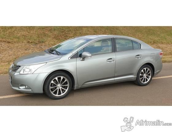 2011 Toyota AVENSIS Full Option à vendre
