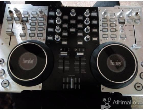 Contrôleur virtual DJ de marque hercules