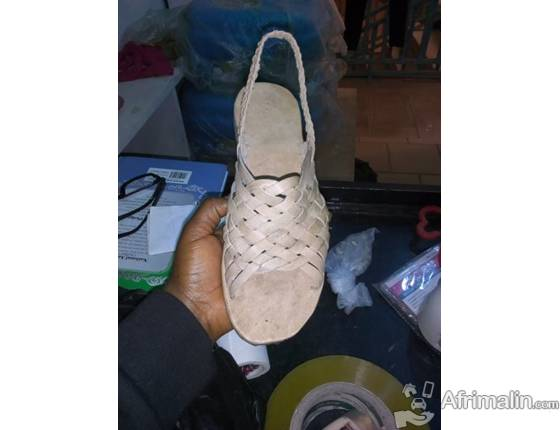 CHAUSSURES A VENDRE