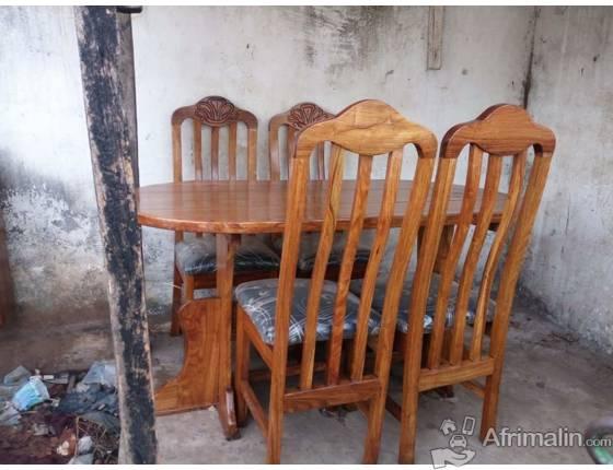Tableschaises à Vendre Conakry Région De Conakry Guinée