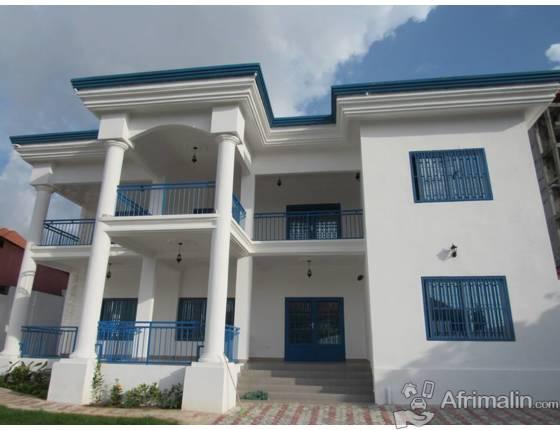 Villa flambant neuf louer conakry r gion de conakry guin e maisons villas sur afrimalin for Site de villa a louer