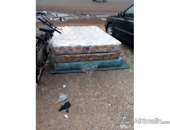 les matelas vendre conakry r gion de conakry guin e. Black Bedroom Furniture Sets. Home Design Ideas