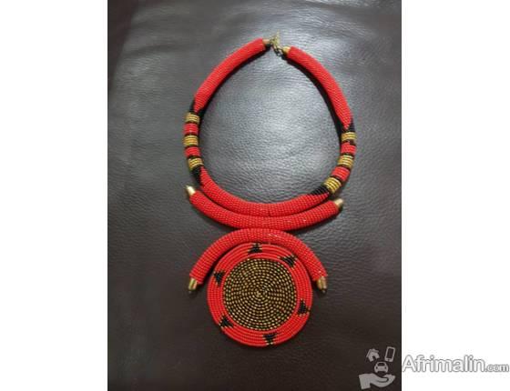 des bijoux et accessoires africain de hautes qualit en vente ici conakry r gion de conakry. Black Bedroom Furniture Sets. Home Design Ideas